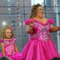Toddlers and Tiaras mother and daughter